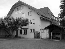 Frontansicht Gemeindehaus